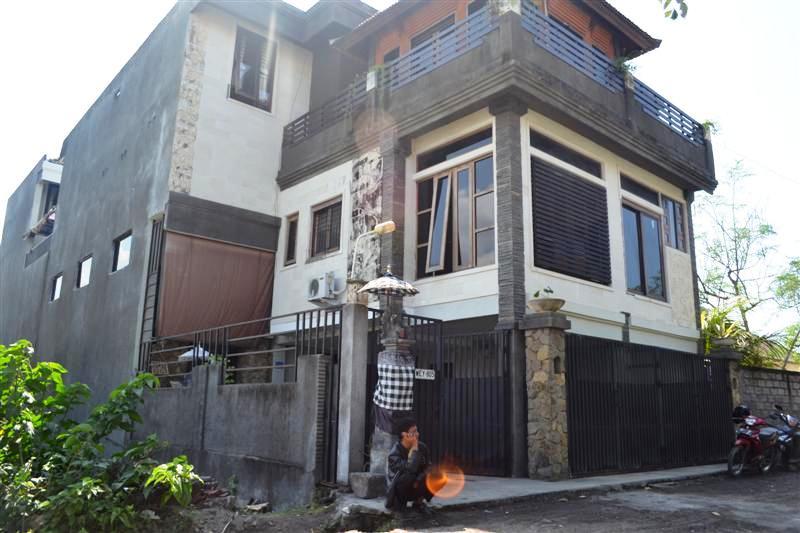 AJ1003 Apartemen disewakan di jalan mahendradata Dps, sudah isi tamu