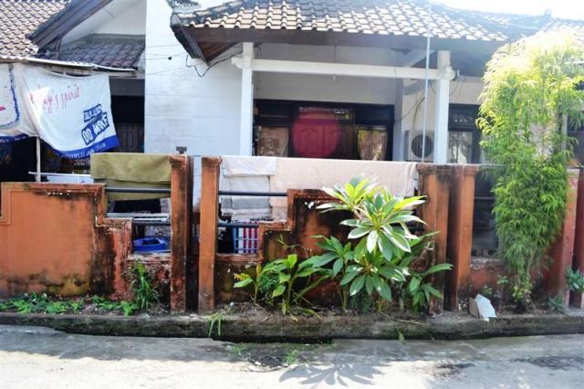 R1042 Dijual Rumah Jln sekar jepun gatsu Timur