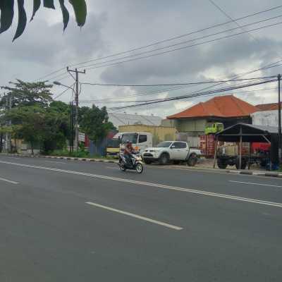 Dijual Tanah Strategis Samping Jalan Raya Utama Di Cargo Permai Status For Sale Lokasi Denpasar Luas 910 M2 Bangunan